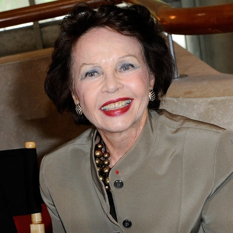 Leslie Caron was spotted out recently looking tres magnifique!
