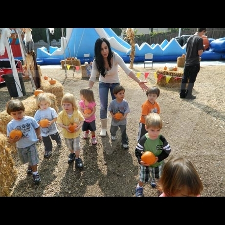 Octomom and kids at the pumpkin patch