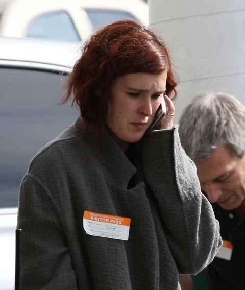 Rumer Willis paced and smoked a cigarette outside the hospital where her mom, Demi Moore, was taken for substance abuse treatment.