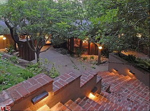 'Hunger Games' Star Josh Hutcherson Buys Heath Ledger's Treehouse