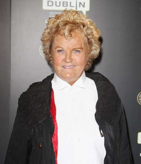 Brenda Fricker attended an event recently and looks like she truly enjoys the summer time!