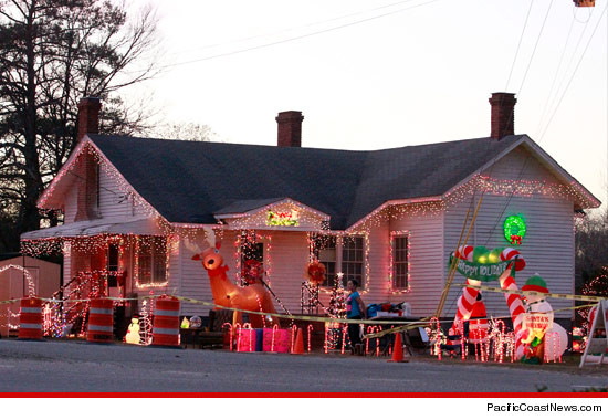 honey boo boos house caution redneck xmas in progress - Redneck Christmas Lights