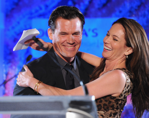 <span>Another celebrity power couple bites the dust ...</span><strong>Josh Brolin</strong><span>and</span><strong>Diane Lane</strong><span>are calling it quits on their 8-year marriage.</span>