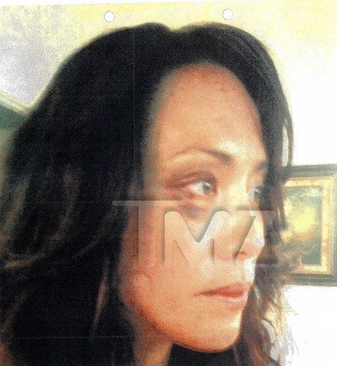 <strong>Terrence Howard</strong><span>'s ex-wife filed legal docs with a graphic allegation -- that the actor sucker punched her in the face, grabbed her by the neck and threw her against the wall.</span>