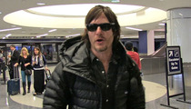 'Walking Dead' Star -- Sorry Seinfeld ... You'd Probably Die in Zombie Apocalypse