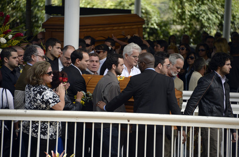 <span>Emotional day in Venezuela -- murdered soap star</span><span>Monica Spear</span><span>'s friends, family, and fans flocked to her funeral today ... just days after she and her ex-husband were brutally slain by highway robbers.</span>