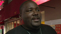 'Blind Side' Star Quinton Aaron -- Forced Off a Flight ... For Being Too Fat