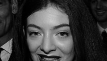 13 Goth Photos Of Lorde -- Happy Black Friday