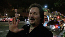 Travis Tritt -- I'm Still Pissed at the Cowboys ... They Screwed Over a Legend