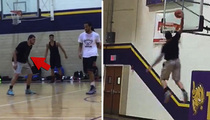 NFL's Mike Evans -- Off-Season Dunk Session ... I Got Hops