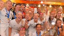 Team USA -- Poppin' Bottles Like Champs ... In Locker Room Turn Up