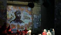 Tupac -- All Eyez On Keith Richards ... At Harlem Gig (PHOTO)