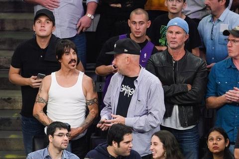 Anthony Kiedis and Chad Smith