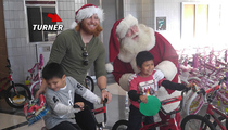 Dodgers Justin Turner -- Santa's Little Helper ... Even In Jail