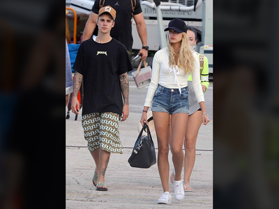 Justin Bieber, Hailey Baldwin -- Yeah, We're Doin' It