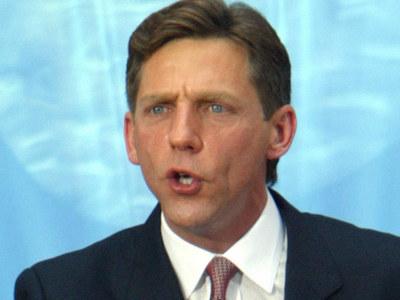 David Miscavige -- Fake Cop Arrested for Threatening to 'Assassinate' Scientology Leader