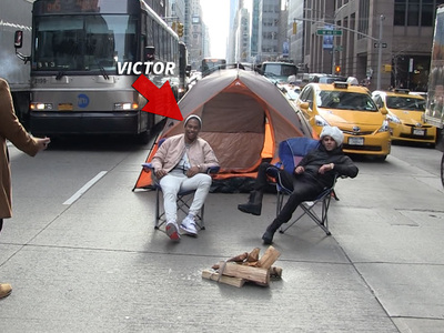 NFL's Victor Cruz -- Pitches Tent In NYC Street ... Drivers Pissed