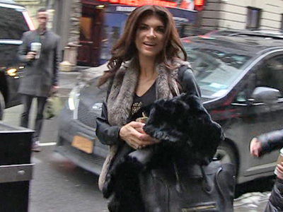 'RHONJ' star Teresa Giudice -- I'm Cookin' Now!!! (VIDEO)