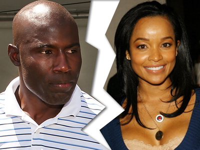 NFL's Terrell Davis -- Beauty Queen Wife Files for Divorce