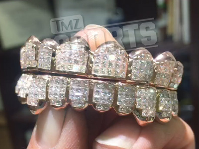 NFL's Von Miller -- Drops $40k On Sick Diamond Grill!