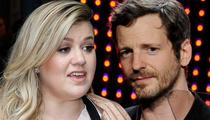 Kelly Clarkson -- Trashes Dr. Luke ... He's a Bad Guy
