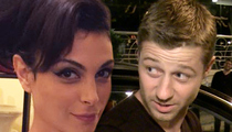 Morena Baccarin & Ben McKenzie -- It's A 'Bat' Girl!