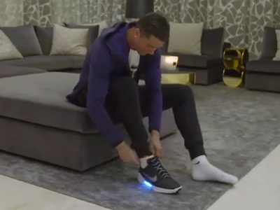 Cristiano Ronaldo -- My Shoes Lace Themselves ... Suck On That, McFly! (VIDEO)