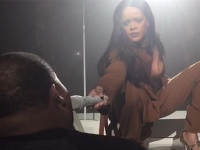 Rihanna -- Fan Steals the Show