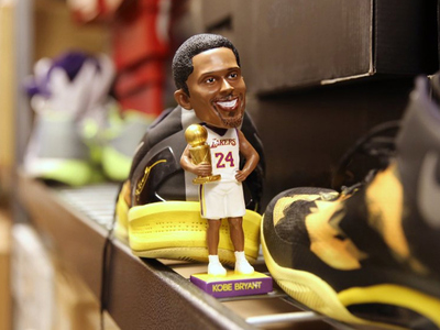Kobe Bryant -- 2ND BOBBLEHEAD FAIL ... Is That Will Smith?!!? (PHOTO)