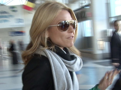 Kelly Ripa -- Ballistic Over Strahan Shocker