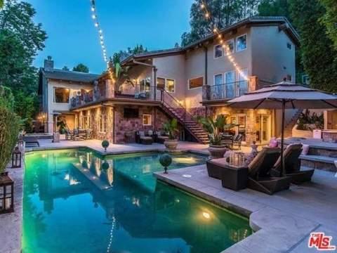 Vanessa Minnillo and Nick Lachey's Encino estate