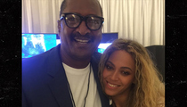 Beyonce -- I'm My Daddy's Girl ... Again (PHOTO)