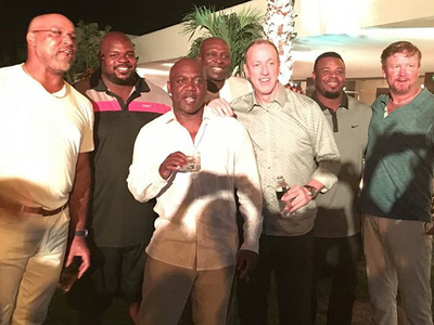 NFL Legend Thurman Thomas -- Super Bowl Teammates Reunite For Surprise 50th Birthday