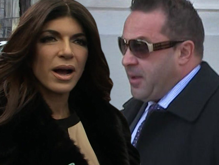 Teresa Giudice Reacts to Joe's Deportation with Crying Statue of Liberty