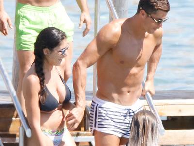 Cristiano Ronaldo -- SMOOTH Operator with Ibiza Bikini Babes (PHOTOS)