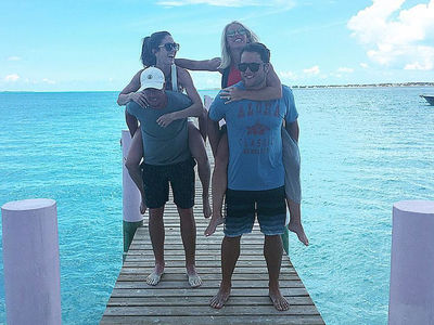 NFL's Matt Stafford -- Couples Beach Vacation ... With Matt Ryan (PHOTO)