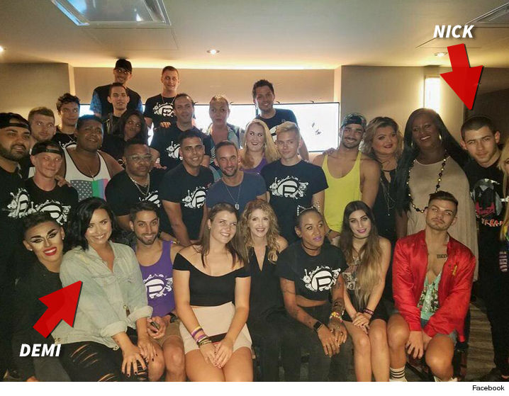 Demi lovato nick jonas orlandos pulse staff gets vip treatment demi lovato nick jonas orlandos pulse staff gets vip treatment photo m4hsunfo