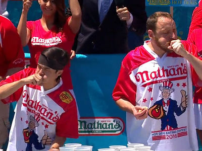 Joey Chestnut -- Oscar-Worthy Win at Hot Dog Competition