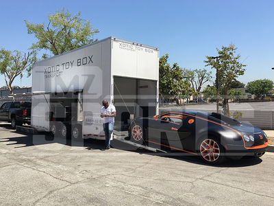 Floyd Mayweather -- Drops An INSANE $50k On Car ... Repairs (PHOTOS)