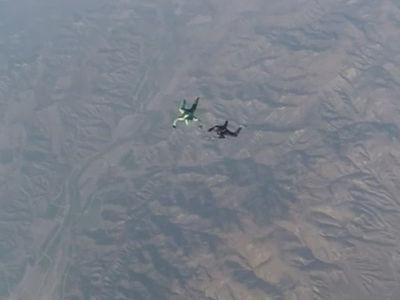 Insane Skydive -- No Parachute? No Problem ... Guy Lands Crazy 25,000 Foot Jump (Video)