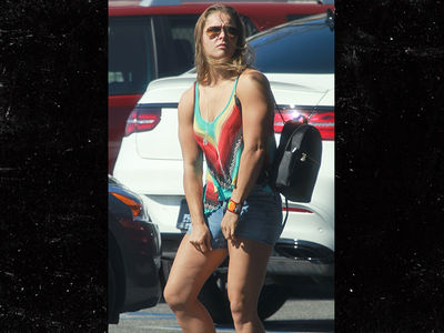 Ronda Rousey -- Ready to Fight (PHOTO)