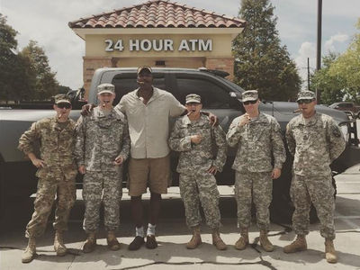 Karl Malone -- Hey, Military Flood Responders ... I'm Paying Your Bill! (PHOTO)
