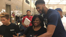 Anthony Davis & N.O. Pelicans -- Hoops, Hugs And Hunger Relief ... Visiting Baton Rouge Flood Victims (PHOTOS & VIDEO)