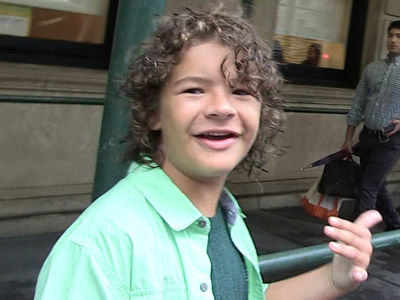 'Stranger Things' Star Gaten Matarazzo -- Grinnin' Wide ... Fake Teeth and All (VIDEO)
