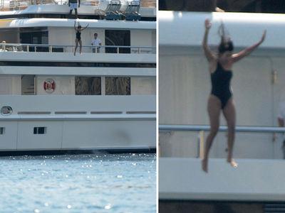 Kourtney Kardashian -- The Daredevil Wears a Swimsuit (PHOTO)