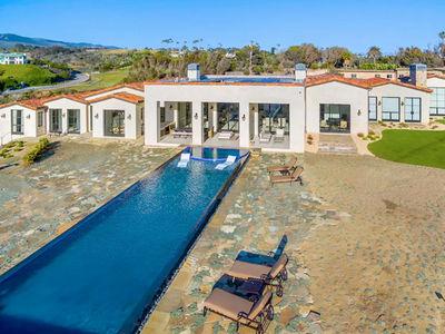 Drake and Rihanna -- Oceanfront Villa Fit for Honeymoonin' (PHOTO GALLERY)