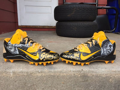 Antonio Brown -- 'The Greatest' Cleats Ever ... Tribute to Muhammad Ali (PHOTOS)