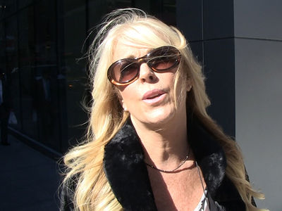 Dina Lohan -- Lindsay's Gonna Make A Comeback ... In The Boyfriend Department Too (VIDEO)