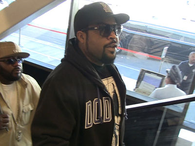 Ice Cube -- Tupac's a Hall of Famer! Rock 'n' Roll Be Damned! (VIDEO)