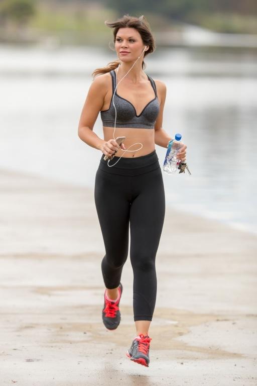 Danielle Vasinova Bikini